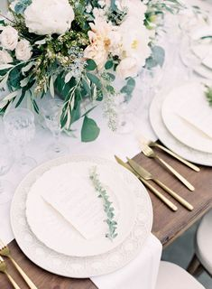 Prettiest wedding tablescapes - 45 Ways to Dress Up Your Wedding Reception Tables ; From rustic to elegant sophisticated wedding. Don't miss these 45 fabulous wedding tablescapes for wedding reception Tuscan Wedding, Fall Wedding, Diy Wedding, Wedding Flowers, European Wedding, Wedding Ideas, Wedding 2017, Ivory Wedding, European Style
