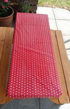 Wachstuchtischdecke mit Gummizug. Ganz easy genäht und echt praktisch für draußen!