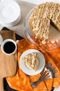 pumpkin coffee cake -- yep, this needs to go onto the holiday menu STAT! (see alternate pin for a muffin-sized version which can be popped into the freezer and pull them out, as needed! Read: make-ahead yumminess! Fun Baking Recipes, Dairy Free Recipes, Sweet Recipes, Dessert Recipes, Vegan Pumpkin, Pumpkin Recipes, Vegan Treats, Vegan Desserts, Streusel Coffee Cake