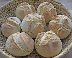 The fastest bread rolls in the world - Kochen - Homemade Bread Easy Cake Recipes, Baking Recipes, Bread Recipes, German Bread, Chocolate Cake Recipe Easy, World Recipes, Bread Rolls, Pizza Rolls, Food Cakes