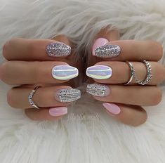 Nail art Christmas - the festive spirit on the nails. Over 70 creative ideas and tutorials - My Nails Wow Nails, Pink Nails, Cute Nails, Pretty Nails, Pink Sparkle Nails, Fabulous Nails, Gorgeous Nails, Winter Nails, Summer Nails