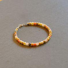 """Bracelet fantaisie pierres opales, jades et bambous des mers roses corail : Modèle """"Heloa"""" : Bracelet par kanakeis"""