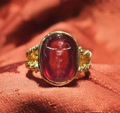 Ruby intaglio, Ring stone Period end 800 - Dogale Jewellery Venezia Italia