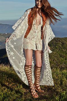 Love the top bohemian boho style hippy hippie chic bohème vibe gypsy fashion indie folk