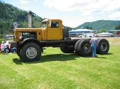 Kenworth 848 / with old cab (Offroad vehicles) Show Trucks, Big Rig Trucks, Old Trucks, Heavy Duty Trucks, Heavy Truck, Super Pictures, Camper, Big Tractors, Custom Big Rigs