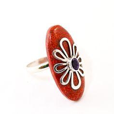 Anillo coral rojo flor