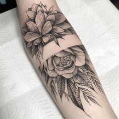 Flowers Bracelet Tattoo - You are in the right place about Flowers Bracelet Tattoo Tattoo Design And Style Galleries On The N - Forarm Tattoos, Up Tattoos, Body Art Tattoos, Tattoos For Guys, Sleeve Tattoos, Armband Tattoo, Tattoo Bracelet, Jewelry Tattoo, Flower Bracelet