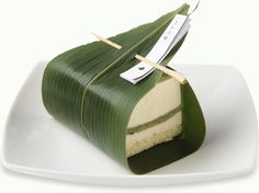 ジュヴァンセル  さがの路  Cheese cake, mugwort mochi, rice cake and bamboo leaf.