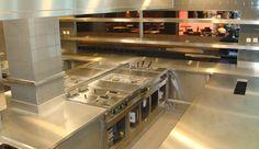 Professionele horeca keuken met eilandmodel fornuis van rosval