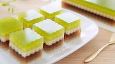 Beautiful Layer Jelly Cake ❤ 古早味千层燕菜糕 Agar Agar Jelly, Jelly Cake, Little Duck, Cookie Desserts, Pineapple, Cheesecake, Deserts, Layers, Pudding