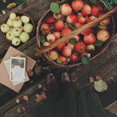 fallen leaves, pumpkin pies and cozy weather : Photo Autumn Photography, Food Photography, Autumn Cozy, Autumn Feeling, Autumn Fall, Autumn Aesthetic, Artist Aesthetic, Brown Aesthetic, Hello Autumn