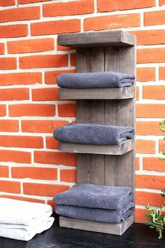 Enchant the wall of your bathroom with this towel rack. Whether hanging or standing, towels are always within reach. This saves space in small bathrooms and looks much tidier. This bathroom shelf is made of solid pine wood and is produced in our small carpentry workshop in northern Germany. High-quality wood meets traditional craftsmanship.Not convinced yet? Here are the details:- Material: solid wood / pine- Colour: brown (see picture)- Size: 70 cm high / 23.5 cm wide / 17 cm deep //lower stora Wooden Bathroom Shelves, Bathroom Shelves For Towels, Towel Shelf, Towel Rack Bathroom, Small Bathroom Storage, Small Bathrooms, Industrial Bathroom, Bathroom Organisation, Organization
