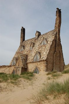 Shell Cottage, Pembrokeshire, Not abandoned but beautiful- North end of Freshwater West beach, Pembrokeshire, Wales Old Buildings, Abandoned Buildings, Abandoned Places In The Uk, Beautiful Buildings, Beautiful Places, Abandoned Mansions, Architecture, Old Houses, Places To Go