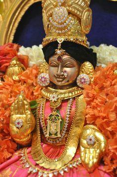 What about eyes? Shiva Parvati Images, Lakshmi Images, Lord Krishna Images, Lord Murugan Wallpapers, Lord Krishna Wallpapers, Saraswati Goddess, Goddess Lakshmi, Lord Durga, Lord Vishnu