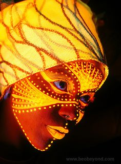 Blacklight Bodypainting by Beo Beyond, via Flickr
