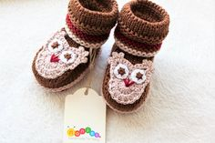 Knitted baby booties. 100% merino wool. MADE TO ORDER Knit Baby Booties, Knitted Baby, Baby Knitting, Wool Yarn, Merino Wool, Cute Gifts, Primary Colors, Baby Shower Gifts, Knitwear