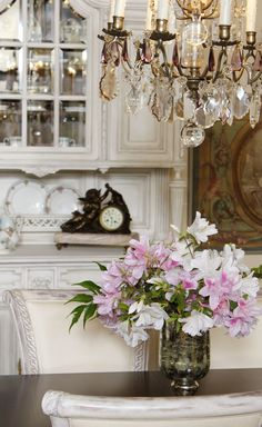 Spring is fast approaching and we are welcoming it with open arms. Here you can see a part of our Baton Rouge showroom, showcasing classic whites and bright flowers. #antique #vintage #spring #store