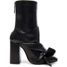 No. 21 Leather Bow Boots (€895) ❤ liked on Polyvore featuring shoes, boots, ankle boots, scrunch boots, high heel bootie, scrunch ankle boots, back zip boots and short boots