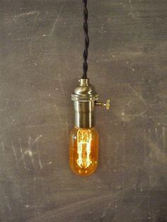 Vintage Minimalist Industrial Bare Bulb Light Sockets par DWVintage, $37.95