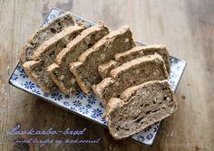 Lavkarbobrød med linfrø og kokosmel / Low carb bread with flax seed and coconut flour