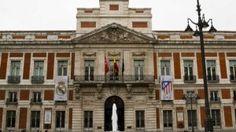 Madrid y Atleti colorean la Puerta del Sol