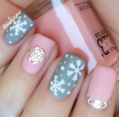 #snowflakenails