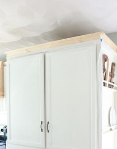 My DIY Kitchen: Cabinet Crown Molding, How to Fake the Look Without the Fuss - Made by Carli