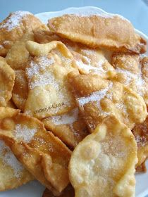 Comoju: Orejas de Carnaval Mexican Food Recipes, Sweet Recipes, Cake Recipes, Dessert Recipes, Spanish Desserts, Spanish Dishes, Venezuelan Food, Colombian Food, Pan Dulce