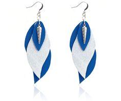 """boucles d'oreilles cuir - leather earrings - boucles d'oreille """"gaïa"""" - boucles d'oreilles bleu argent - bijoux en cuir - Made by S▲R▲Y▲N▲- 20€ www.sarayana.fr"""