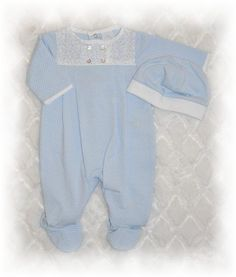 Newborn boys bubble outfits, rompers and knit sets are perfect for baby to wear home from the hospital. Sweet infant boys coming home layette sets and baby boy daygowns, infant boys footed sleepers and infant boys smocked rompers are perfect baby shower gifts.