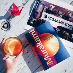 [wydarzenie] Dziś otwarcie Klubu Murakamiego w Warszawie! Przez siedem dni wstępując na plac Zbawiciela, będzie można poczuć się jak w Tokio wprost z kart powieści Harukiego Murakamiego. Już zazdroszczę osobom, które będą mogły skorzystać i odwiedzić ten klub! Dajcie znać kto był i jak tam Wasze wrażenia po wizycie! http://okiemmk.com/wydarzenie-dzis-otwarcie-klubu-murakamiego-w-warszawie/ https://instagram.com/okiemmk/