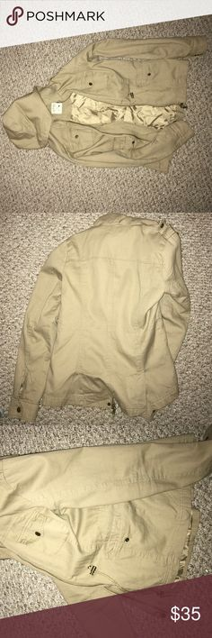 LA HEARTS khaki utility jacket - small Purchased in PacSun, great condition (no wear and tear), and very light for spring or summer (or indoors) LA Hearts Jackets & Coats Utility Jackets