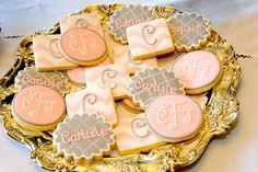 The Doughmestic Housewife: Monogrammed cookies