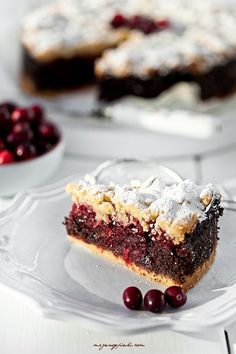 Poppy seed flaky pastry with cranberry jam - need to translate page for recipe, but looks yummy! Polish Desserts, Polish Recipes, Cranberry Jam, European Dishes, Cake Recipes, Dessert Recipes, Flaky Pastry, Sweet Pie, Food Cakes