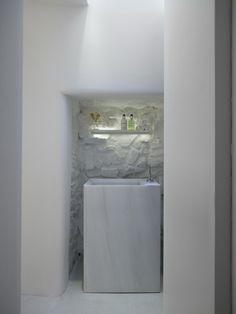 *modern bathroom design, white, sink* - Linea Piu' by Kois Associated Architects