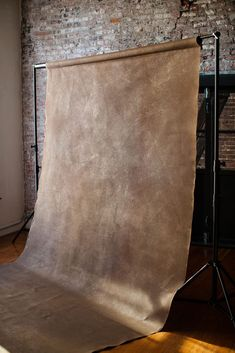 Home Studio Photography Backdrops Super Ideas Photography Studio Setup, Photography Backdrops, Photography Business, Photography Studios, Portrait Photography, Photography Tutorials, Digital Photography, Photography Ideas, Photography Office