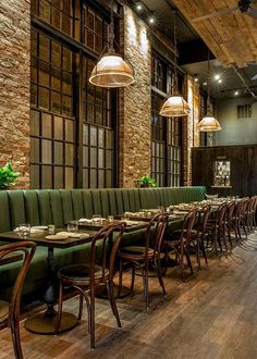 How to Design best Restaurant Layout Restaurant Layout, Brick Restaurant, Woods Restaurant, Architecture Restaurant, Restaurant Lighting, Restaurant Booth Seating, Modern Restaurant, Restaurant Kitchen, Restaurant Tables