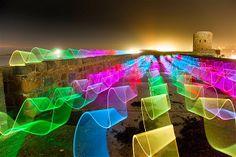Imagen: Pintar con luces (© David Gilliver/Barcroft Media/Getty Images)