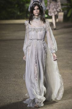 Elie Saab #VogueRussia #couture #springsummer2016 #ElieSaab #VogueCollections