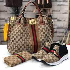 Hello,Today we bring to you 'Cooperate Handbags and Footwear's' These Handbags and footwear are the - Source by de mujer gucci Luxury Bags, Luxury Handbags, Fashion Handbags, Fashion Bags, Luxury Purses, Gucci Handbags Outlet, Gucci Purses, Cheap Handbags, Popular Handbags
