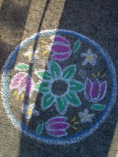 sidewalk chalk Chalk Drawings, Art Drawings, Chalkboard Art Quotes, Chalk Crafts, Chalk Design, Chalk Wall, Colored Chalk, Sidewalk Chalk Art, Chalk It Up