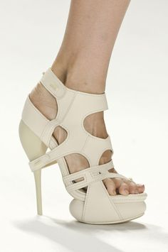 runway-shoes:  Vera Wang Spring 2012