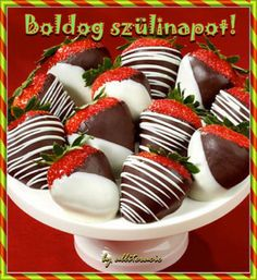 Chocolate covered strawberries make the sweetest gifts. Order chocolate covered strawberries delivered in a box or in a fruit arrangement they'll love! Chocolate Covered Strawberries Delivered, Chocolate Dipped Strawberries, Köstliche Desserts, Delicious Desserts, Yummy Food, Strawberry Dip, Strawberry Recipes, Yummy Treats, Sweet Treats