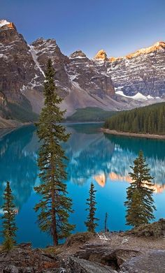 Moraine Lake at Banff National Park in Alberta