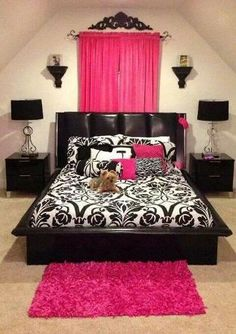 The black and hot pink would go great with the monster high theme