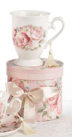Porcelain Tea / Coffee Mug in Gift Box - Rose Delton http://www.amazon.com/dp/B00DCXZC8M/ref=cm_sw_r_pi_dp_.if.ub1B0QX87