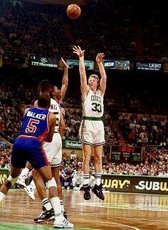 Celtics Basketball, Basketball Court, Basketball Pictures, Nba Stars, Larry Bird, Boston Celtics, Hoop, Legends, Sport