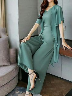 Casual Ruffled Shift Frill Sleeve Solid top with pants You are in the right pla. Baggy Dresses, Casual Dresses, Abaya Fashion, Fashion Dresses, Korean Fashion Summer, Casual Tops For Women, Pinterest Fashion, Western Dresses, Dresses For Teens