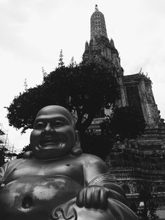 televisionofnomads:  Chubby Bangkok Buddha    Bangkok Resorts...
