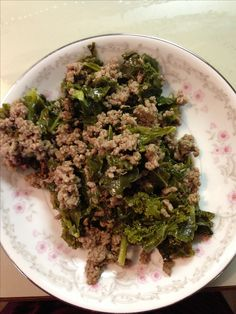 Healthy grain free homemade dog food - Beef & Kale - 2 lbs any cheap ground beef cooked, 1 lb fresh kale chopped and cooked, 1/4 cup olive oil, 1/2 cup powdered eggshells, 1/2 cup flax meal, mix and serve.  Store in airtight containers in fridge (1week) or freezer.
